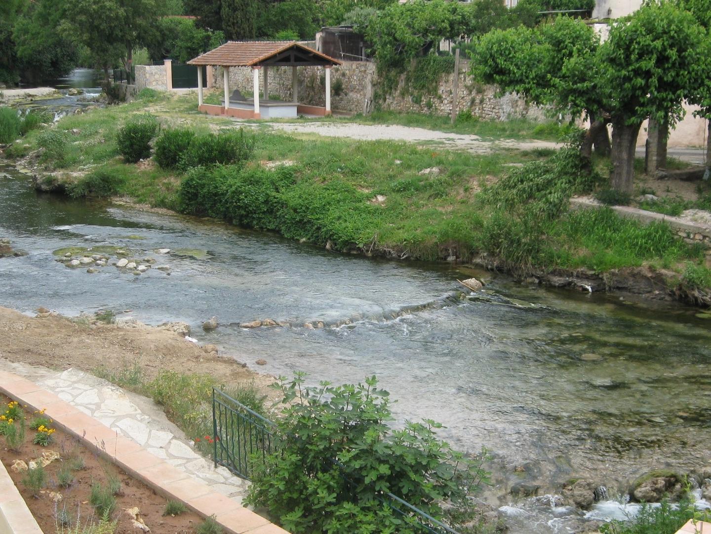 La Nartuby au centre du village