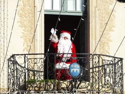 Père-Noël au balcon