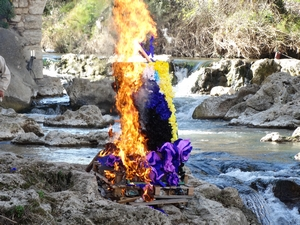 Caramantran 2020 brûlé sur la Nartuby