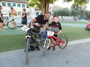 le plus jeune participant au trophée des cascades et son père
