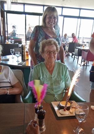Mme Brun fête son anniversaire