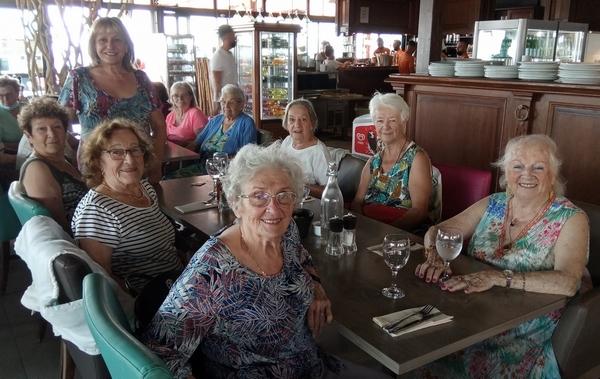 Sortie des anciens au restaurant, tablée 2
